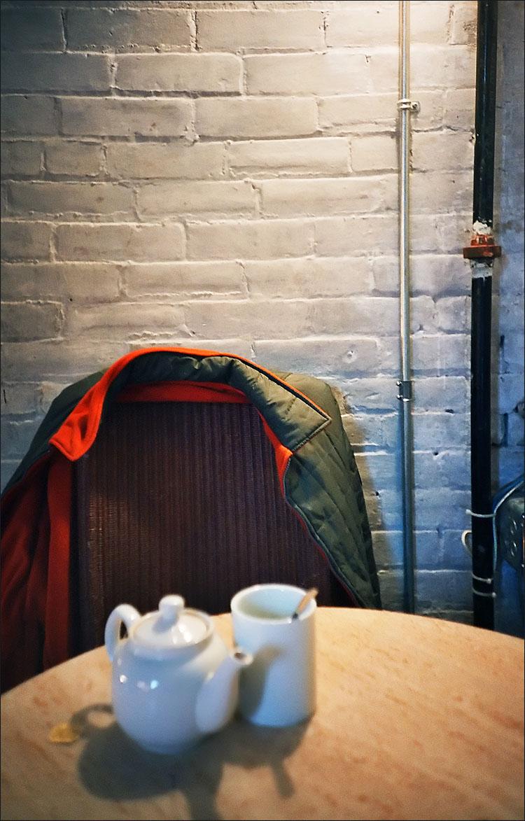 self portrait, having tea    lomo-lca film camera   ISO 400