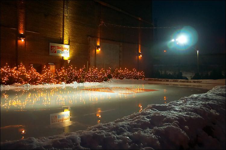 home depot rink || canon 300d/kit lens | 1/25s | f3.5 | ISO 400 | handheld