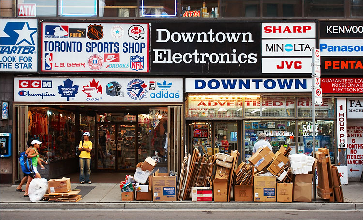 downtown electronics boxes || canon 350d/ef17-40L@31 | 1/40s | f4.5 | iso100 | handheld