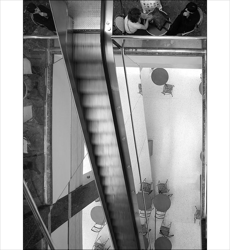 escalator || canon 300d | 1/4s | f3.5 | ISO 100