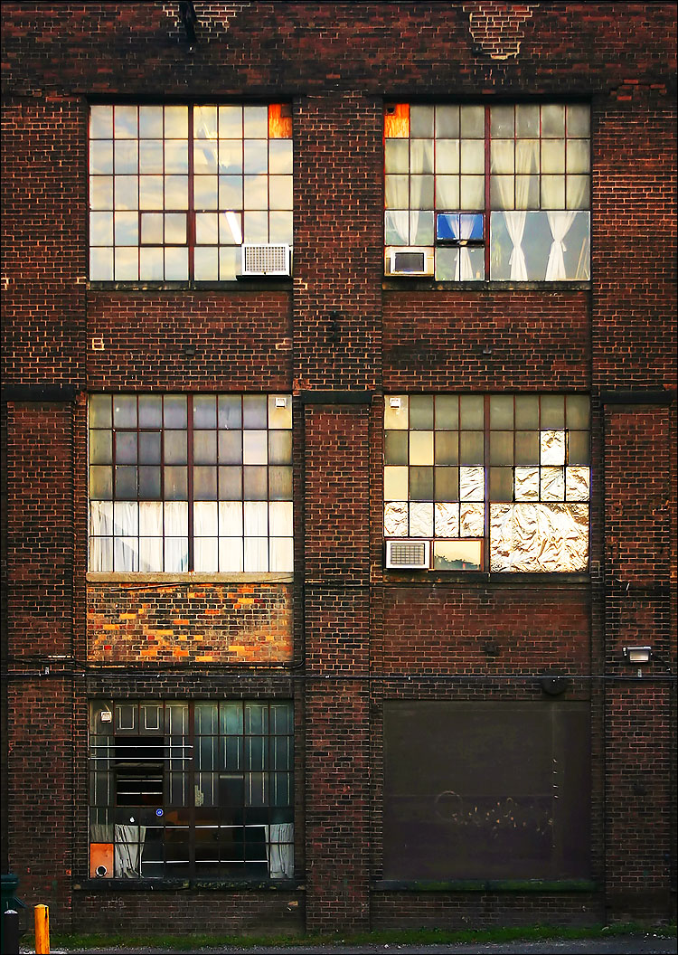 five windows || canon 300d/kit lens | 1/50s | f5 | ISO 100