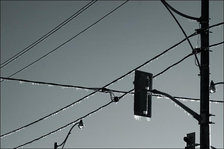 frozen lines || canon 300d/kit lens | 1/320s | f13 | ISO 200