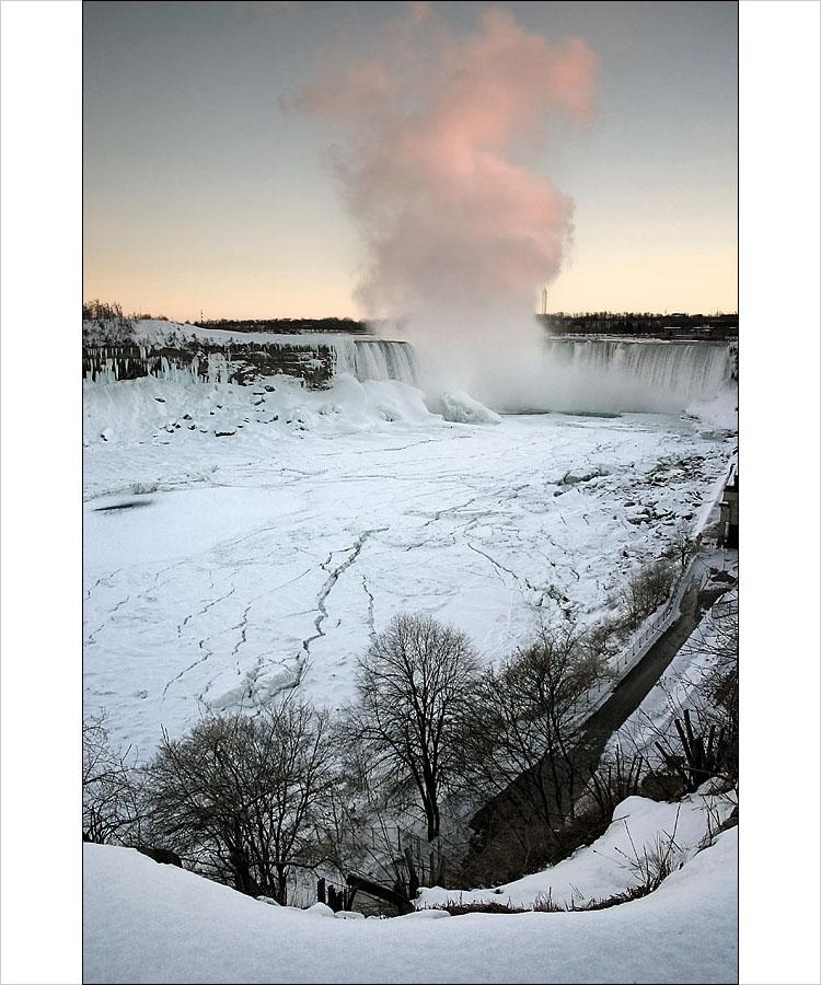 frozen niagara falls report