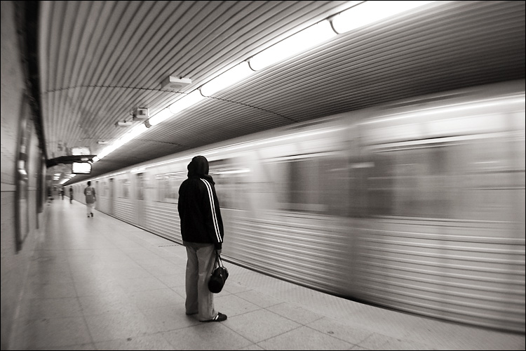 passing subway train || canon a95/raynox 0.45 ext | 1/8s | f2.8 | iso50 | handheld
