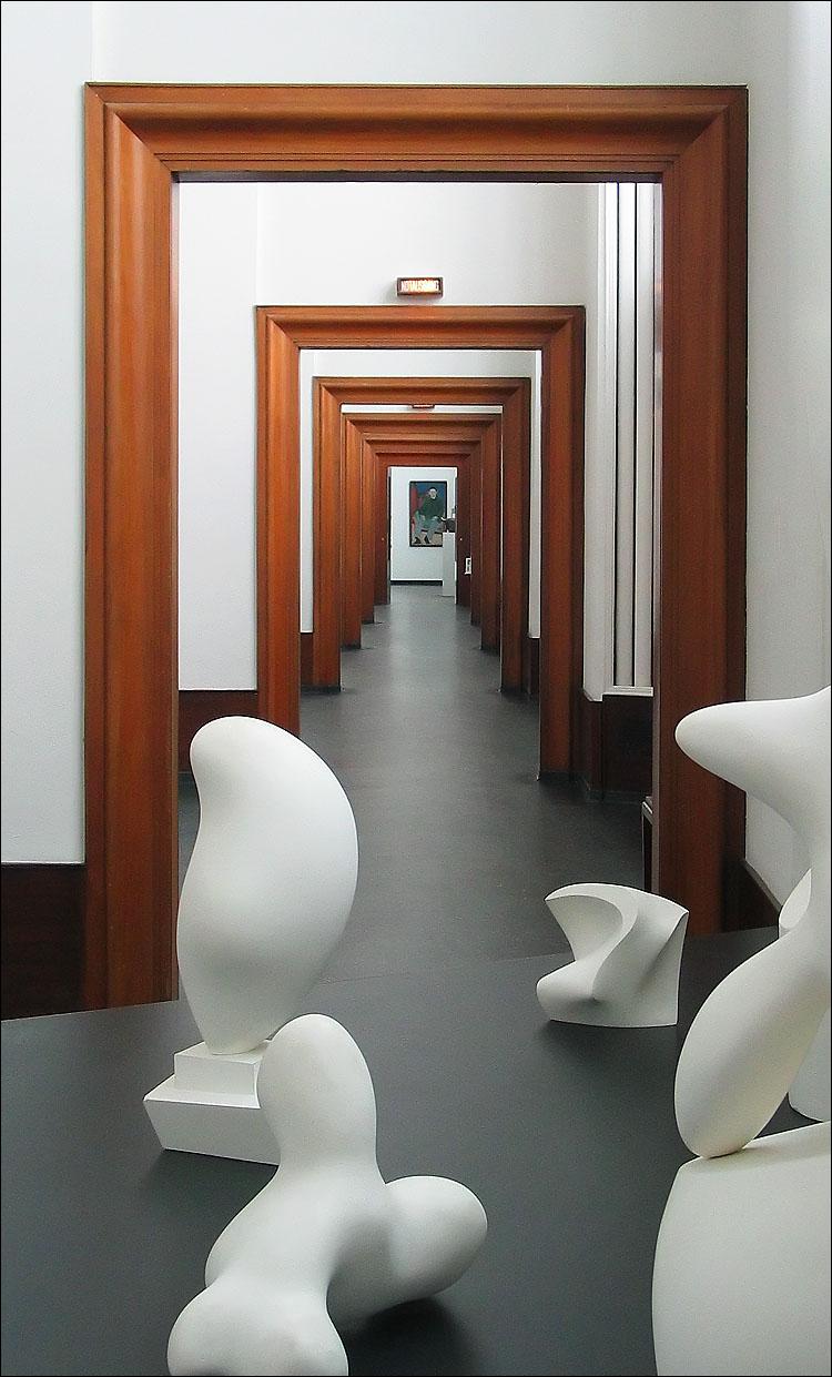 many doors || canon g3 | 1/50s | f3.5 | ISO 200