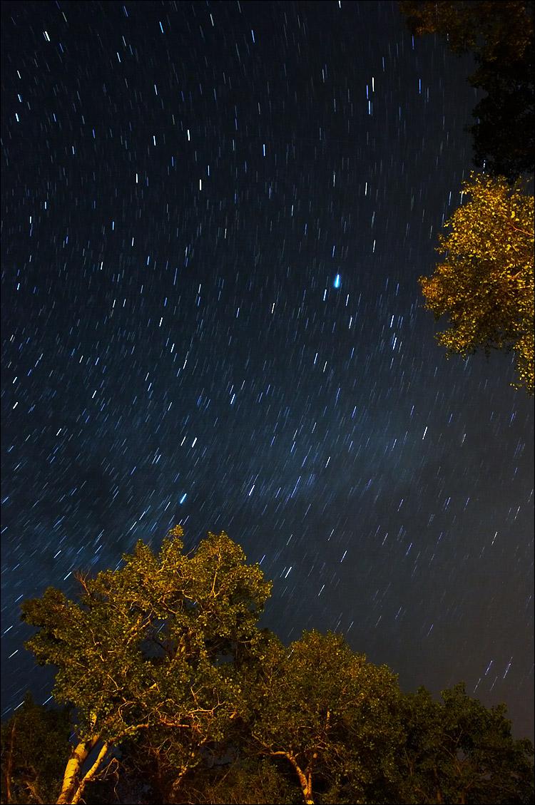 the stars || canon 350d/ef17-40L@17 | 5 min | f4.5 | iso200 | tripod