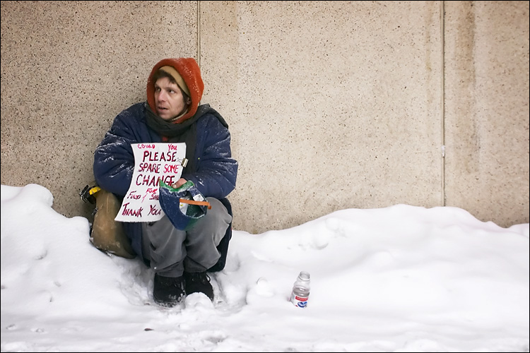 homeless in snow || canon 300d/ef-s 18-55 | 1/10s | f7.1 | ISO 800 | handheld