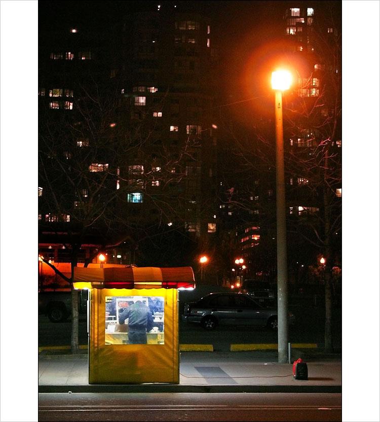 hotdog stand    canon digital rebel   1/15s   F/5   ISO 800