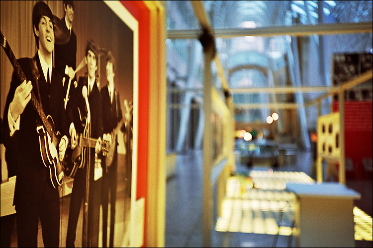 beatles at bce || lomo lc-a | ISO 200