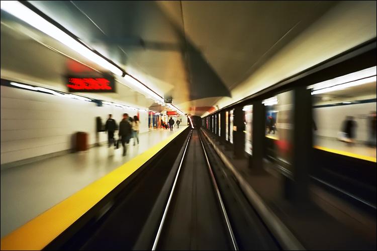 subway car pov || lomo lc-a | agfa ISO 400