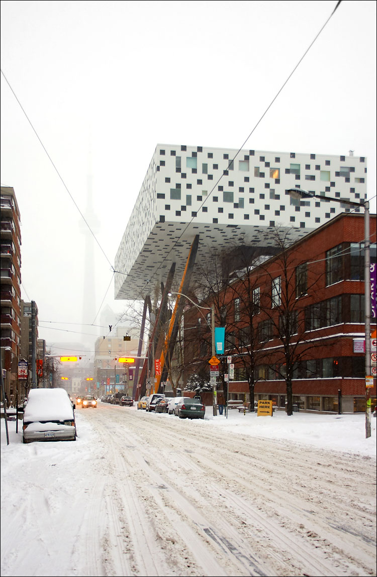 ocad in snow || canon 300d/ef-s 18-55 | 1/30s | f4.5 | ISO 100 | handheld