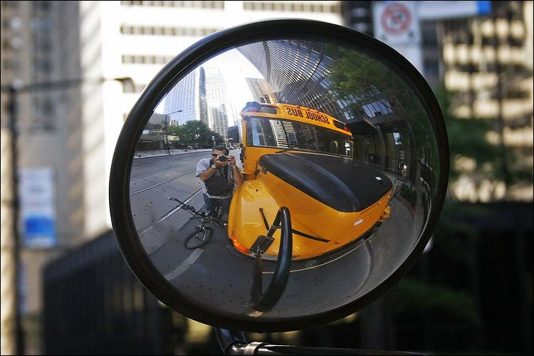 school bus || canon 300d | 1/50s | f6.3 | ISO 100