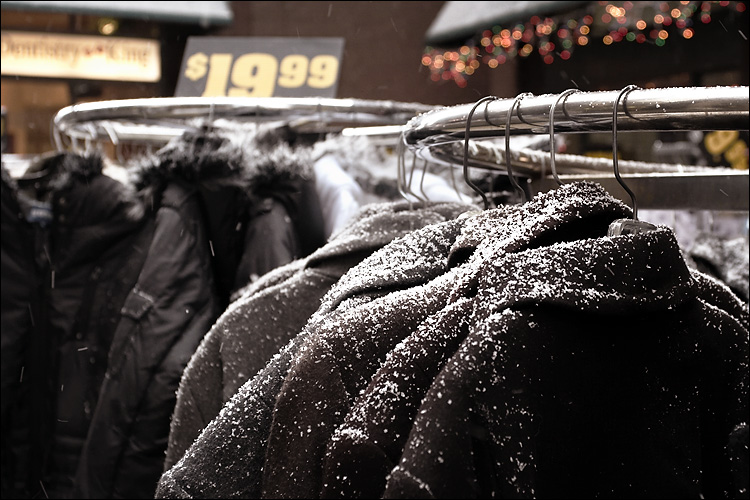snow on jackets || canon350d/ef17-40L@35 | 1/60s | f5 | iso800 | handheld