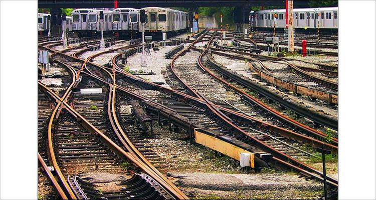 subway tracks || canon G1 | 1/60s | F4 | ISO 50