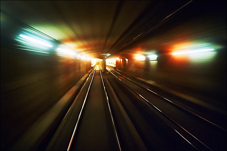 two zooming tunnels || lomo lc-a | agfa vista iso 400