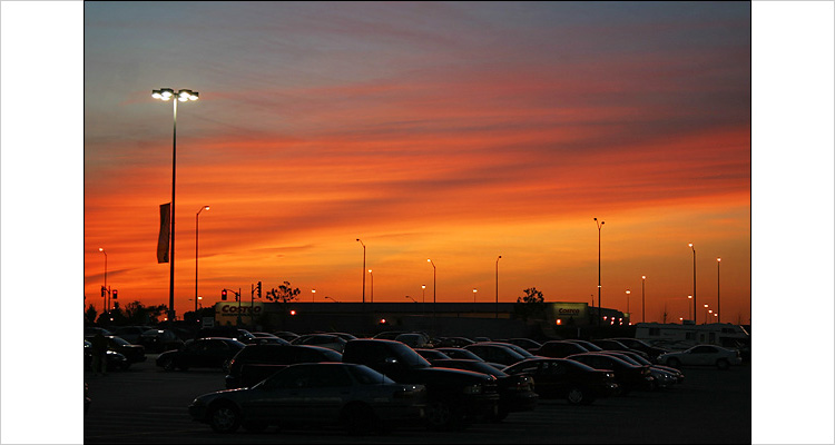 yorkdale sunset || canon digital rebel | 1/15s | f5.6 | ISO 100