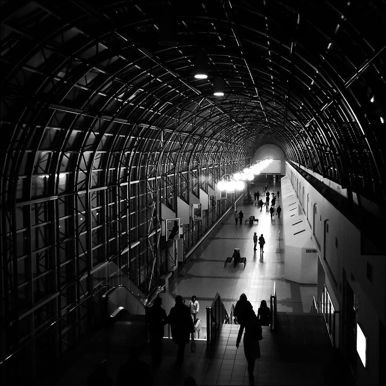 dark union passage || canon 300d/kit lens | 1/60s | f5 | ISO 800