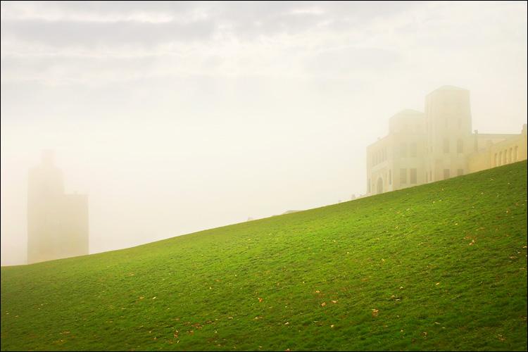 towers in fog || canon 300d/kit lens | 1/200s | f11 | ISO 100 | handheld
